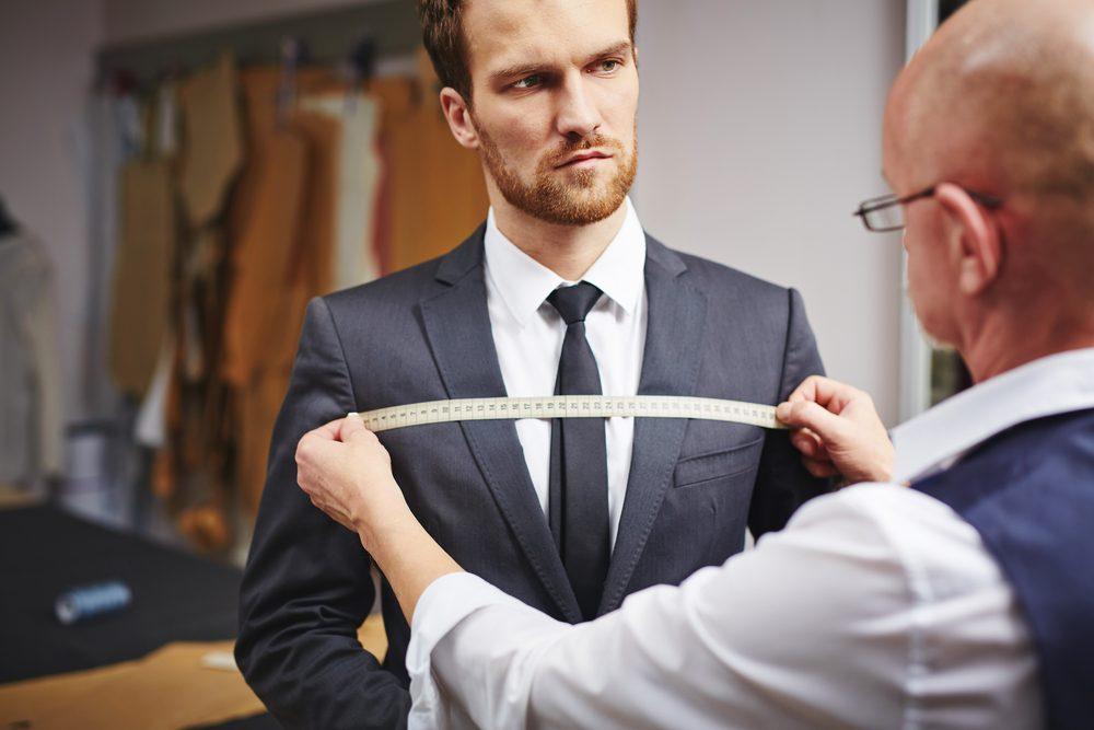 Pour un look classe et luxueux, faites-vous aider par un tailleur