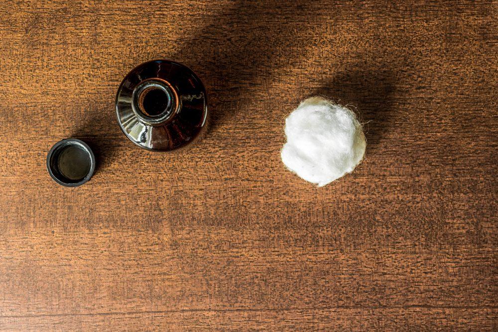 taches de sang comment les enlever avec les meilleurs trucs. Black Bedroom Furniture Sets. Home Design Ideas