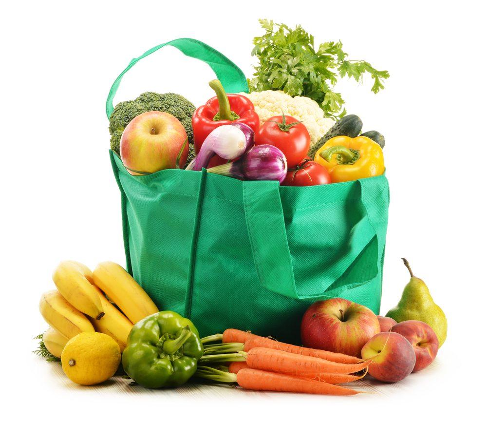 Le client peut se choquer quant à l'ordre des aliments dans leur sac d'épicerie.