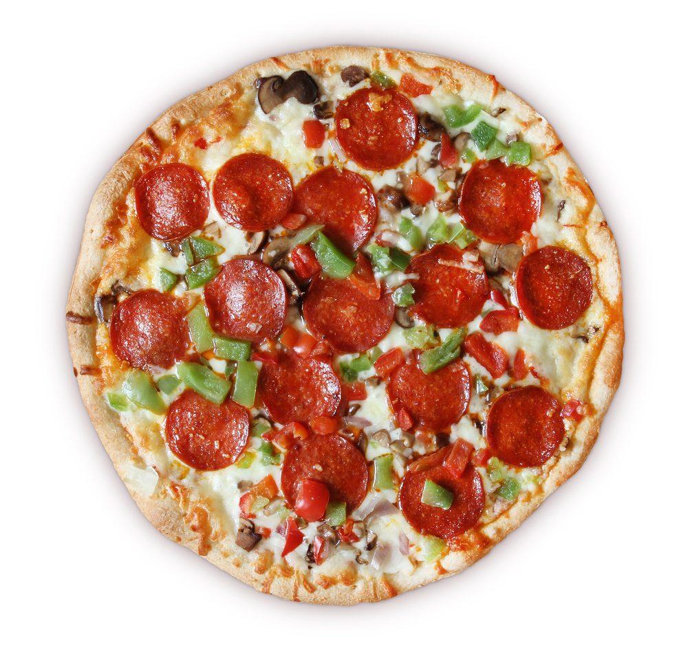 Le prix de la pizza congelée et cuite à l'épicerie.