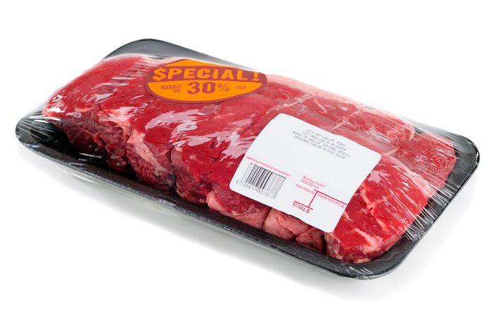 Surveillez les rabais sur la viande.