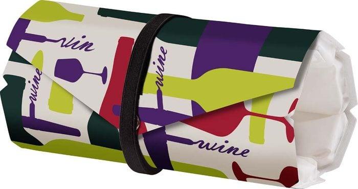 Un indispensable pour votre road trip: un sac pour refroidir le vin.
