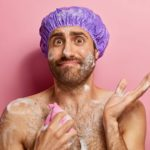 8 erreurs fatales que vous commettez sous la douche