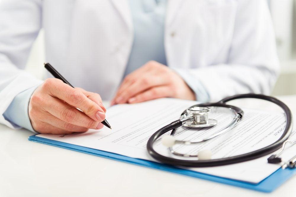 L'urine foncée et les selles grasses sont des symptôme du cancer du pancréas