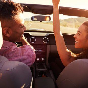 Voyage en voiture: 20 items indispensables pour un road trip réussi