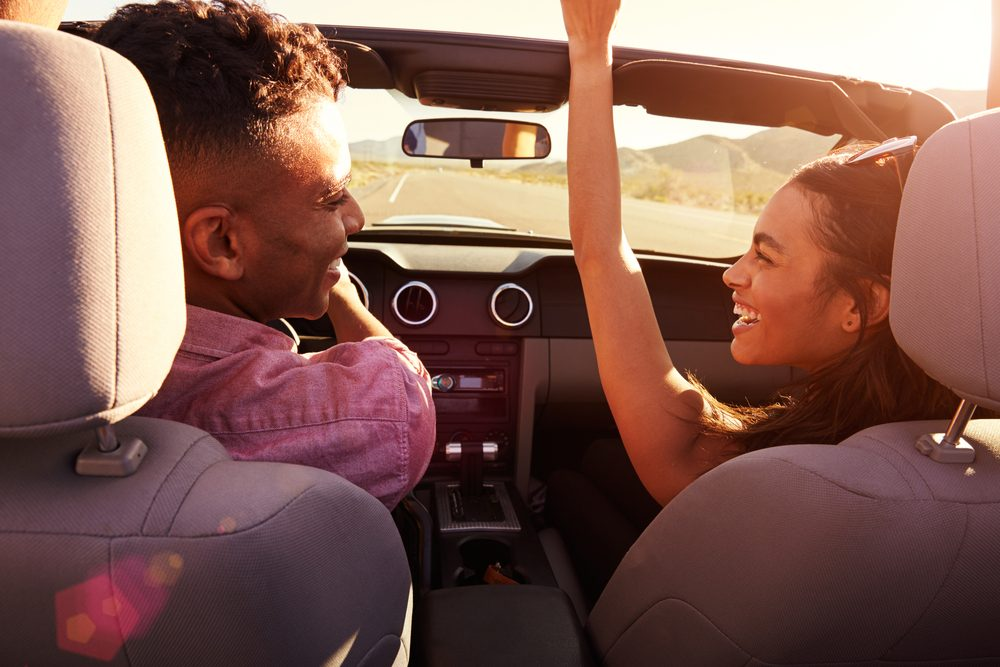 voyage en voiture 20 items indispensables pour un road trip. Black Bedroom Furniture Sets. Home Design Ideas