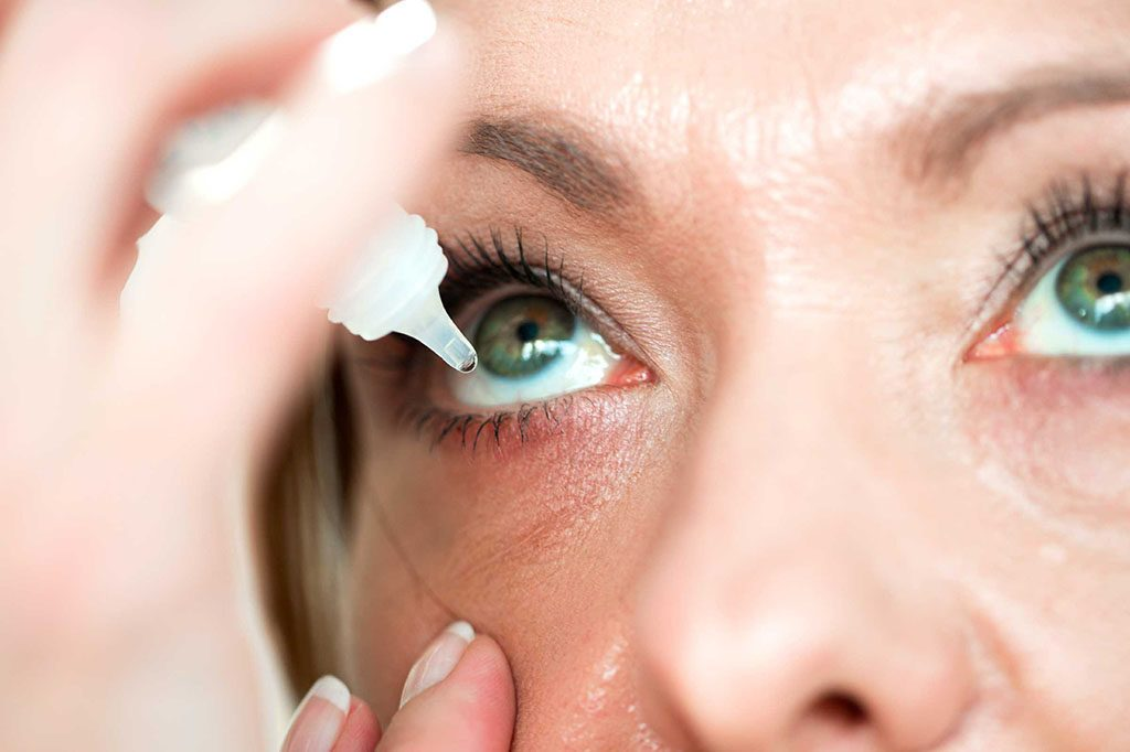 Parmi les symptômes de la préménopause, les yeux secs