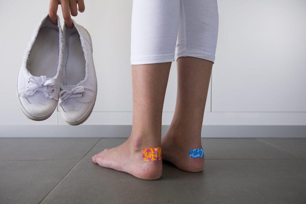 essayez vos pieds 25 juil 2018  impossible d'enfiler vos escarpins   vous essayez d'en comprendre la cause    mettez vos pieds en l'air ou levez-vous et marchez.
