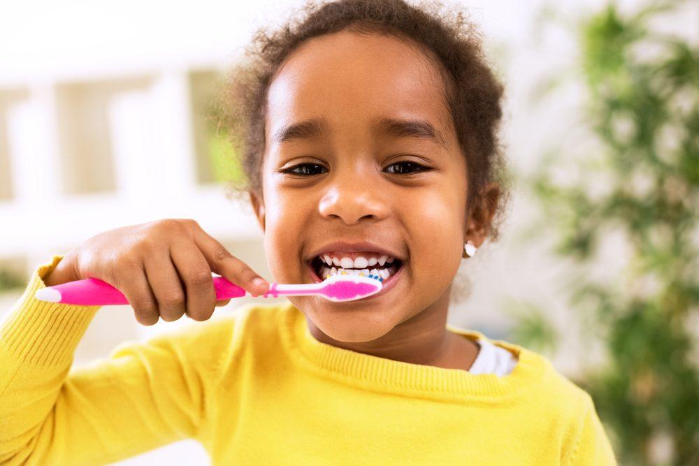 brosser-dents-lutter-mauvaise-haleine