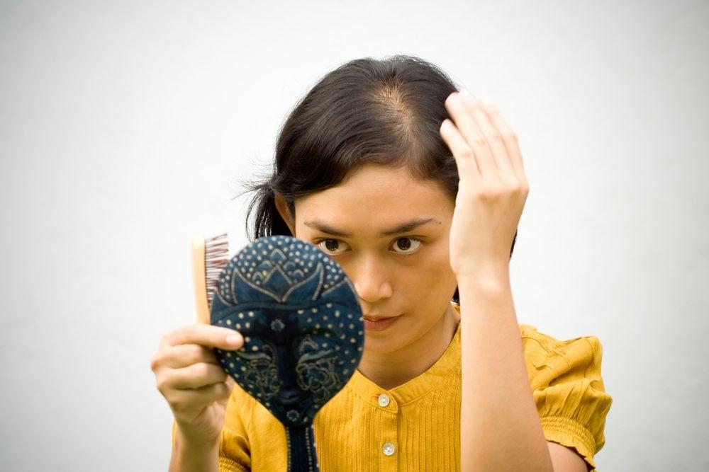Traitement naturel pour chute cheveux chez femme