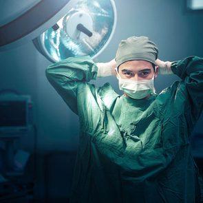 Secret de chirurgien: les résidents doivent apprendre à opérer.