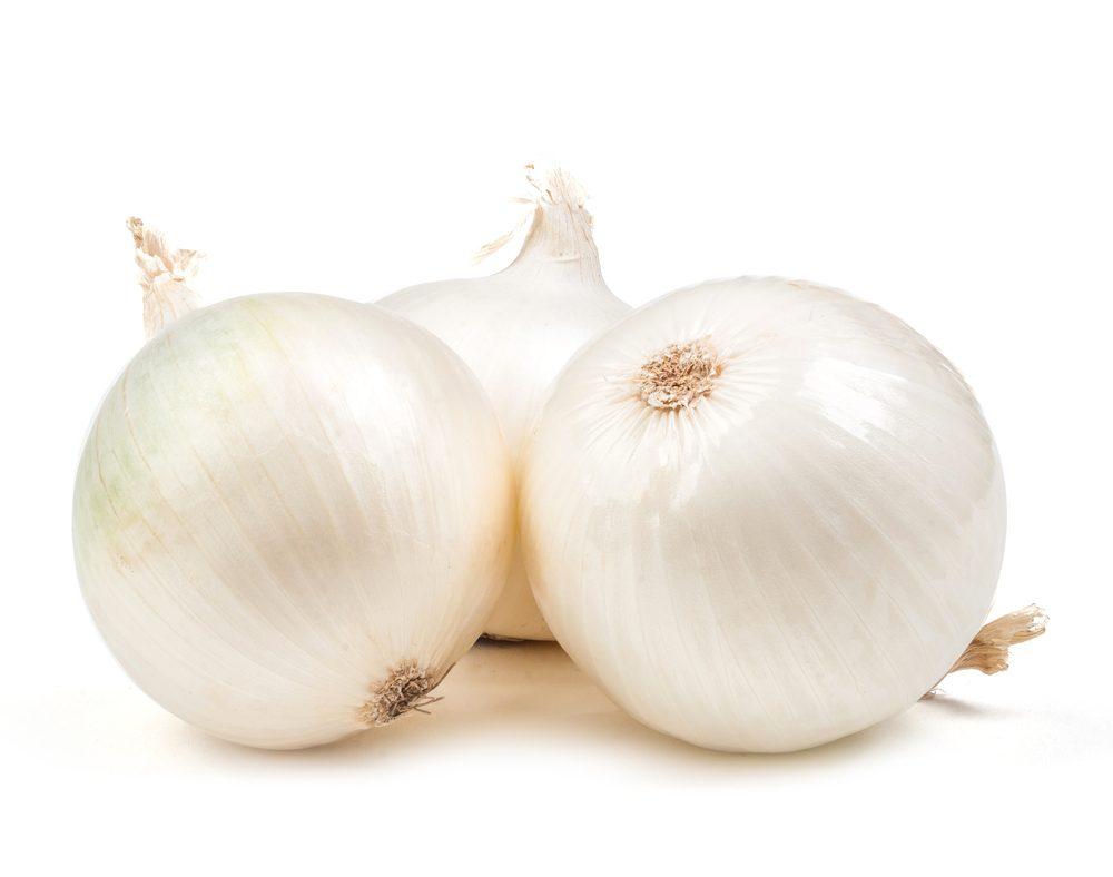 Truc maison pour la corne: l'oignon blanc.