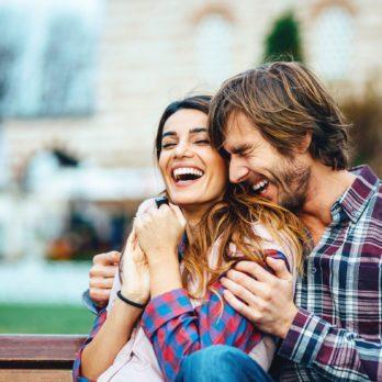 19 choses étonnantes que les couples heureux font le soir