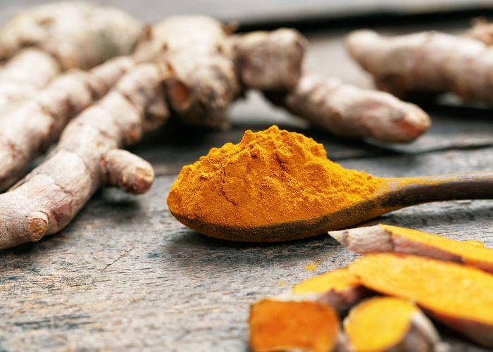 Le curcuma est un aliment thérapeutique aux nombreuses applications.