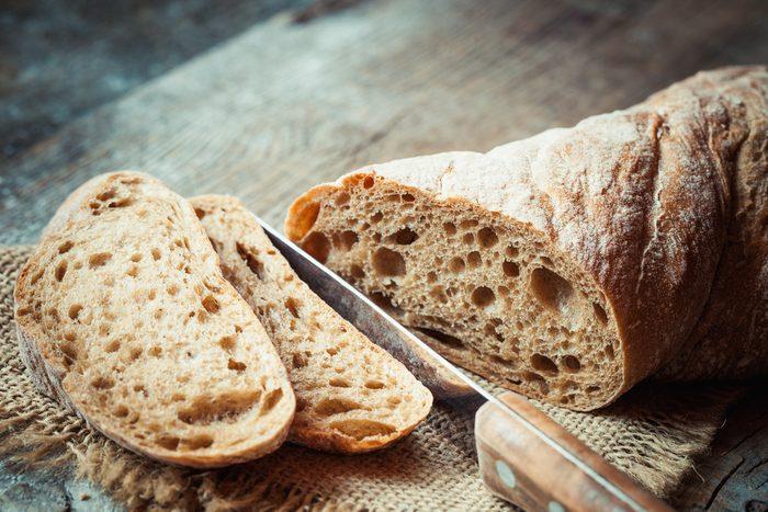 Truc maison pour la corne: du pain.