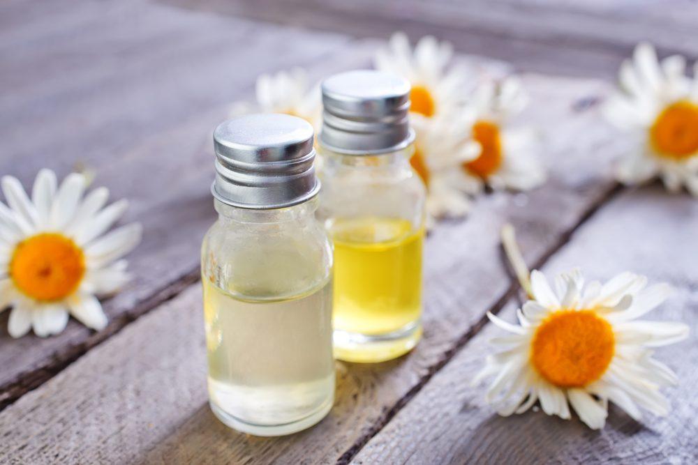 De l'huile de camomille pour la peau