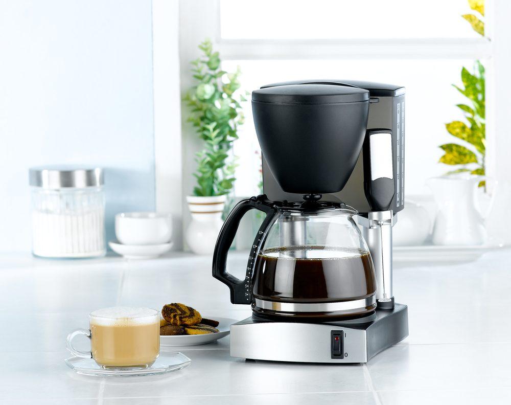 Utilisez le vinaigre pour nettoyer votre machine à café.