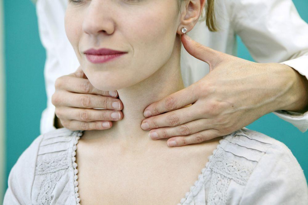 Symptômes, causes et traitements pour les problèmes de glande thyroïde.