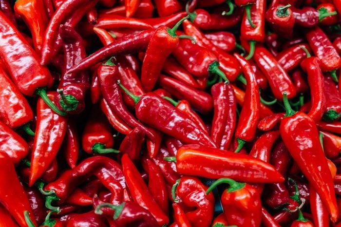 Les piments forts facilitent la digestion.