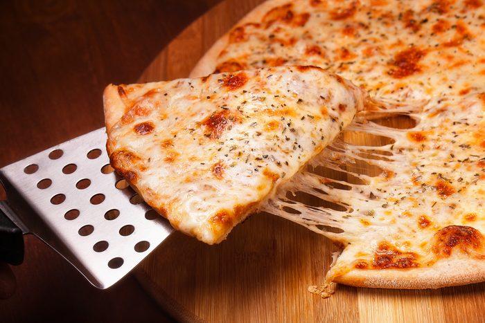 Les aliments trop riches en gras peuvent aussi causer de l'inflammation.