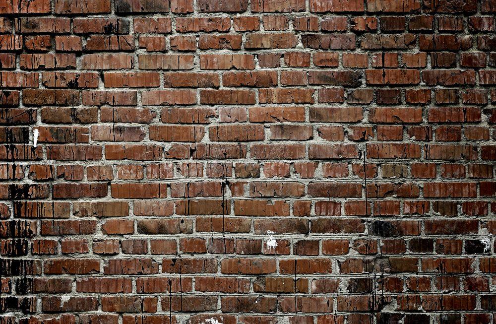 Utilisez du vinaigre pour raviver vos briques.