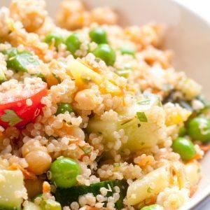 Salade de quinoa et pois chiches, sauce au miel et citron vert