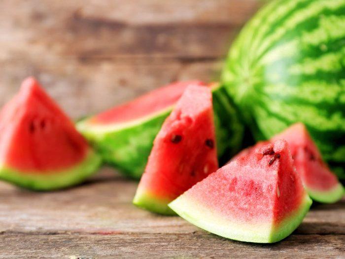 Pour avoir un ventre plat, consommez du melon d'eau.