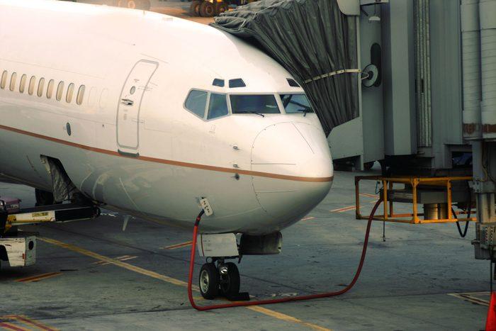 Ce qu'il faudrait savoir avant de prendre l'avion: fuel.