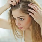 Pellicules: 11 traitements naturels et ultra efficaces