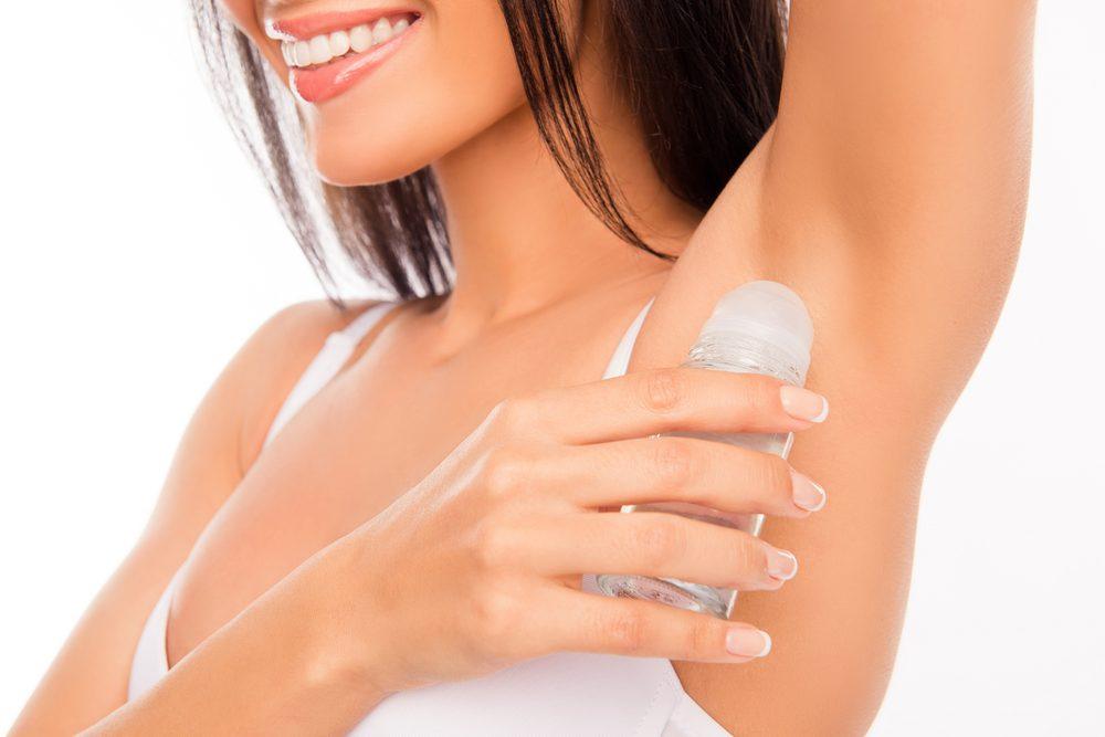 Sueur, transpiration et antisudorifique: reconsiderez le moment où vous appliquez votre déodorant.