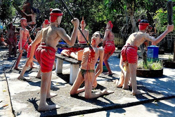 L'attraction touristique morbide, Wang Saen Suk Hell Garden en Thaïlande.