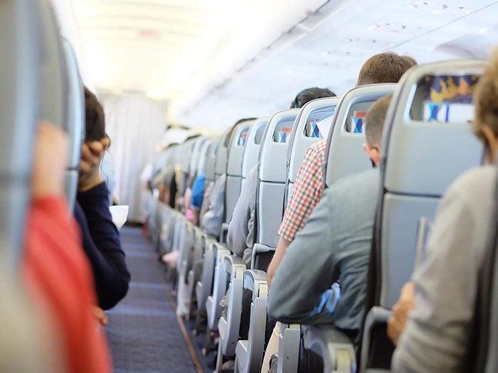 Ce que les consignes de sécurité des compagnies aériennes ne disent pas...