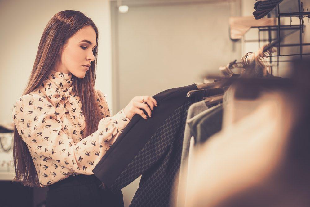 Pour avoir l'air crédible en milieu de travail, habillez-vous bien!