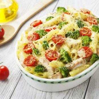 Gratin de pennes au poulet et au broccoli