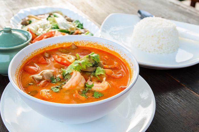 Une recette pour emporter dans le thermos de soupe aux crevettes.