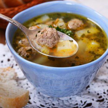 Soupe de légumes aux boulettes