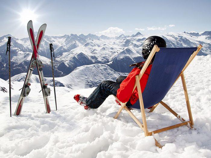 Parmi les offres étranges dans les hôtels, le Little Nell propose un concierge pour le ski.