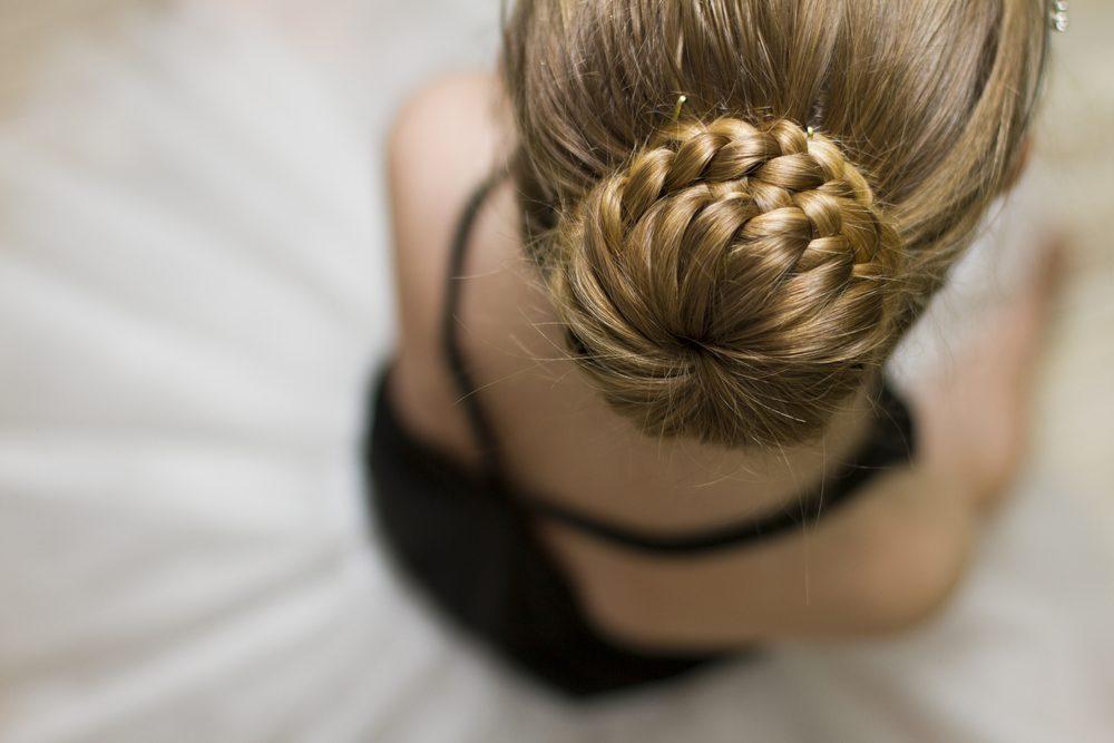 Ne vous couchez pas les cheveux noués pour éviter d'abîmer vos cheveux.