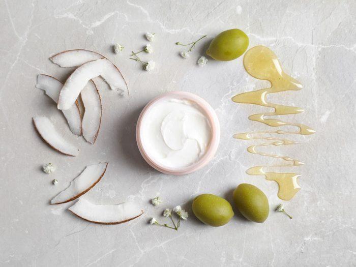 Pour une peau jeune et en santé, utilisez les meilleures lotions anti-âge.