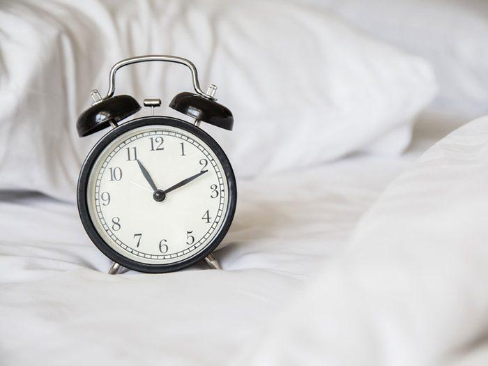 Ne vous couchez pas tout de suite pour permettre au produit de bien pénétrer.
