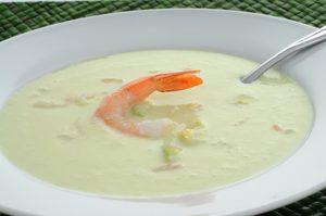 Crème de concombre aux crevettes
