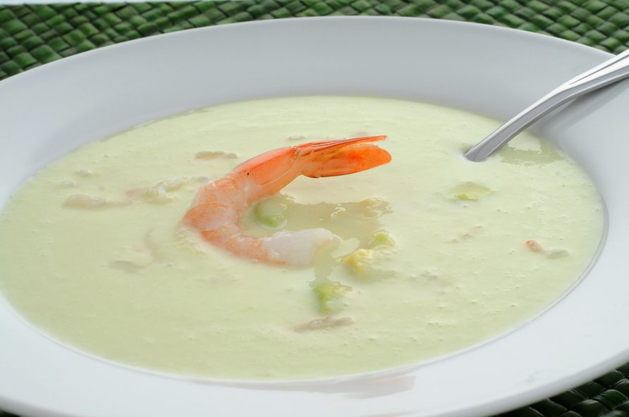Une recette de potage concombres et crevettes.