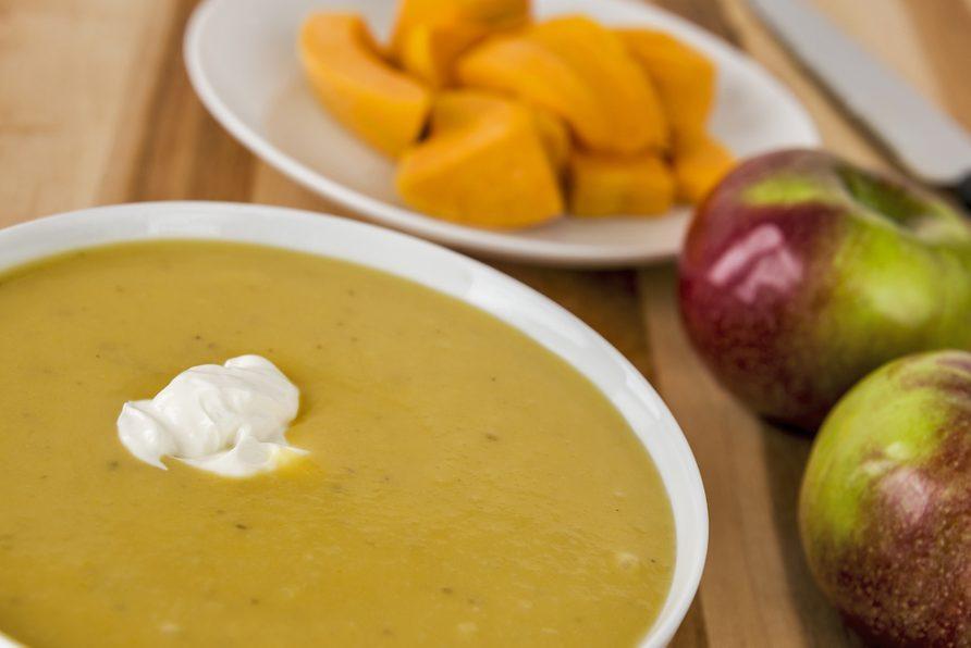 Une recette décadente de potage à la courge et aux pommes