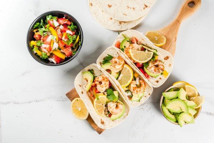 Recette de tacos aux crevettes épicées prêts en moins de 30 minutes