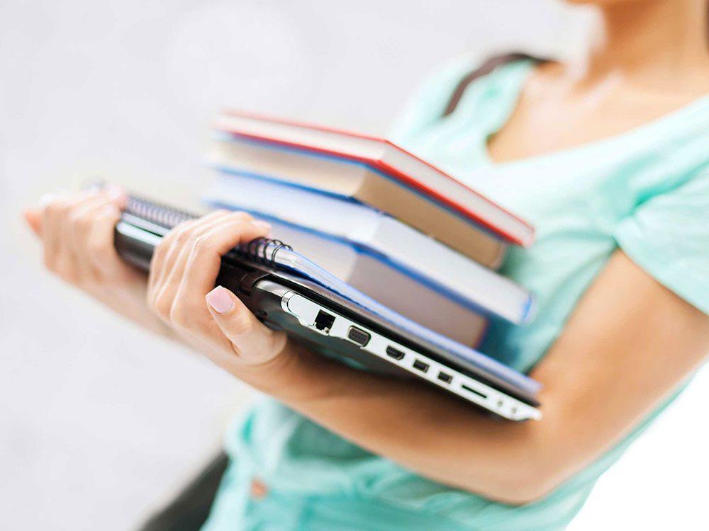 Ne mettez pas votre ordinateur portable dans votre sac à main.