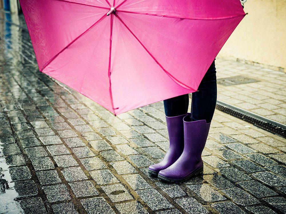 Ne mettez pas un parapluie dans votre sac à main.