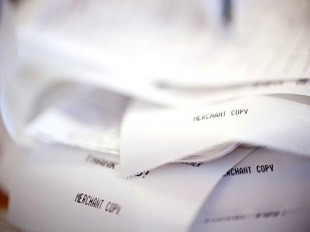 Ne mettez pas vos reçus dans votre sac à main.