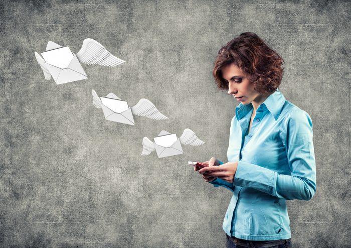 Politesse et étiquette: Réservez rapidement pour confirmer une invitation en ligne.