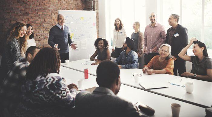 Politesse et étiquette: Traitez votre patron différemment.