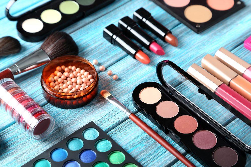 Évitez d'acheter du maquillage dans une vente de garage